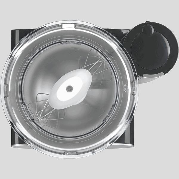 Den starka motorn på 1000 watt klarar att bearbeta större mängder snus på upp till 4 kilo.